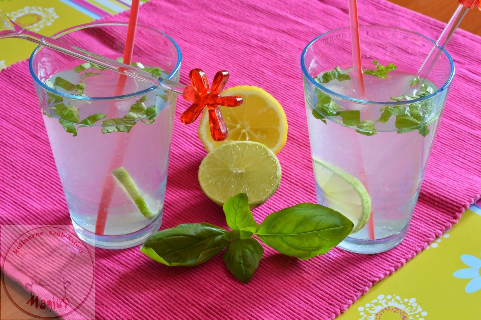 Lemoniada z miodem i bazylią