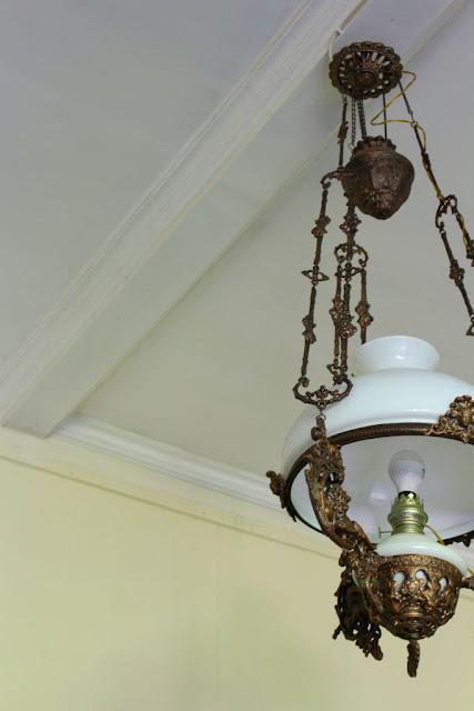 lampu gantung pendopo andari