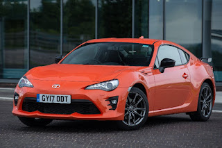 Toyota GT86 Orange Edition (2017) Front Side