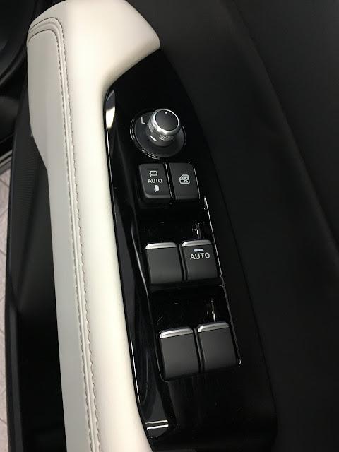 新型CX-5 内装 ドア