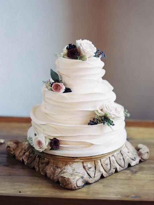 ruffled cake Charity Maurer rustic summer autumn wedding