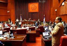Senado. El senador Adriano Sánchez Roa expone en una sesión