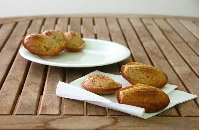 Madeleines semi-integrals amb llimona i rosella per esmorzar