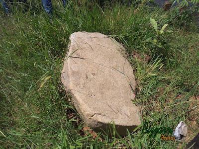 Pedra moledo para caminhos de pedra, tipo pedra natural com espessura de 10 cm a 20 cm.