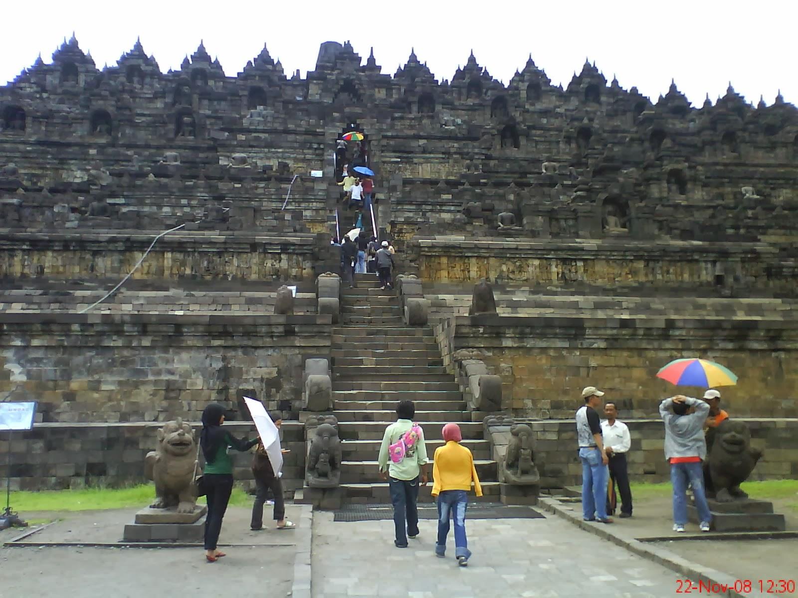 Candi Borobudur peninggalan sejarah Buddha