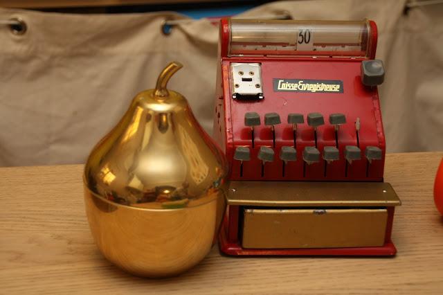 caisse enregistreuse marchande poupee vintage
