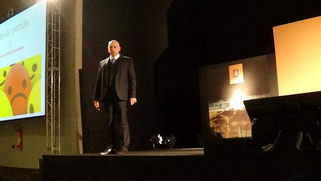 Palestra com o historiador Leandro Karnal em Brasília no Hípica Hall