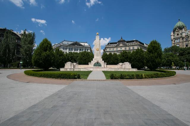 Piazza-Budapest