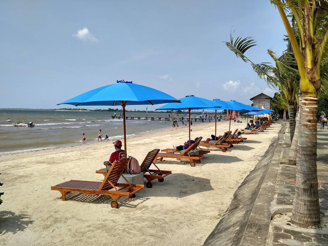 5 Destinasi Wisata Pantai Di Jepara Yang Layak Anda Kunjungi Saat Liburan Sumber78 Com