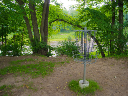 Disc Golf at Lime Kiln Park in Grafton WI