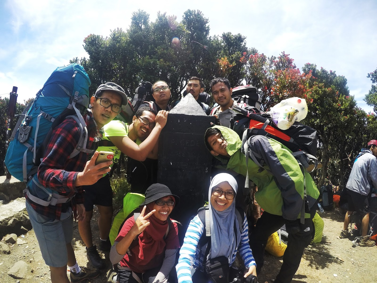 Monumen Gunung Gede