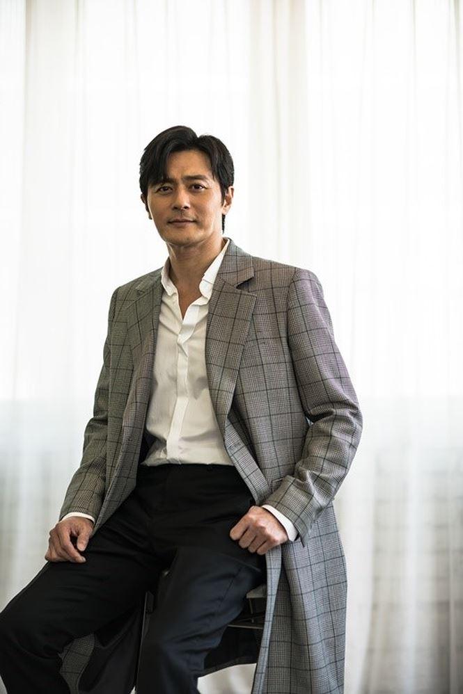 Jang Dong Gun 46 tuổi điển trai phong độ khiến phái nữ say đắm - Ảnh 5