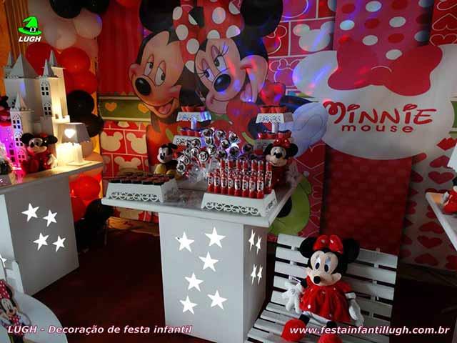 Decoração de festa infantil com o tema da Minnie - mesa decorada provençal