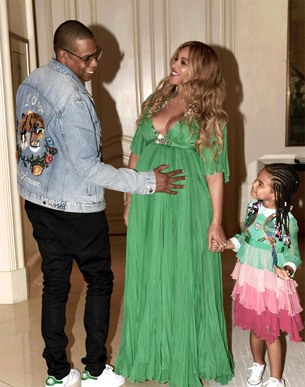 beyonce-beauty-and-the-beast-blue-ivy-bump-pics.jpg