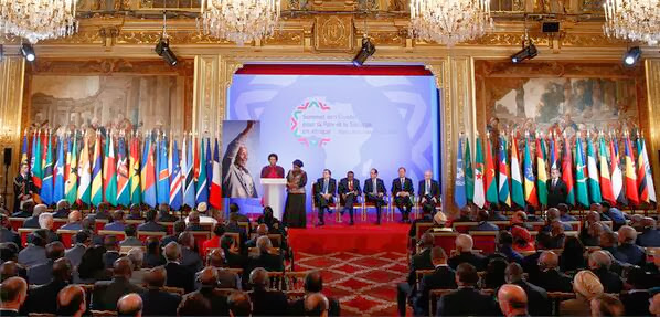 Leaders of 53 African states paid tribute to Mandela at a summit in Paris