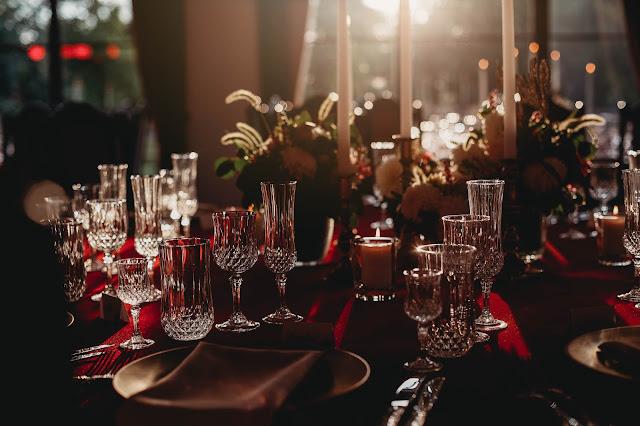 vestuvių šventės stalas