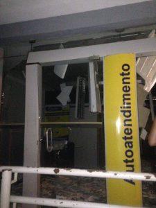 Bandidos explodem agência do Banco do Brasil de Cedro durante a madrugada