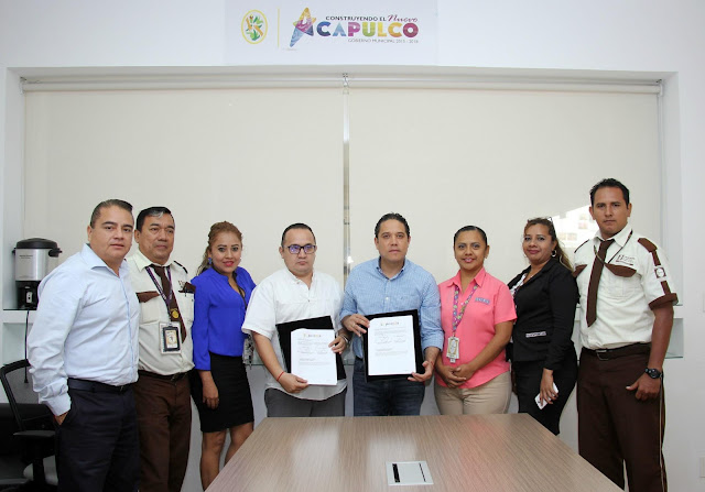 Firma Ayuntamiento convenio de colaboración con Cometra para el mantenimiento de Plaza Guatemala