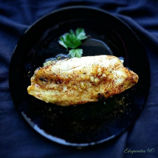 filetes-de-panga-con-curry-y-ajo-negro