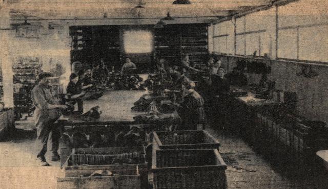 Tron et Berthet à Pont-Saint-Pierre - La selle Idéale. L'atelier de montage en 1935