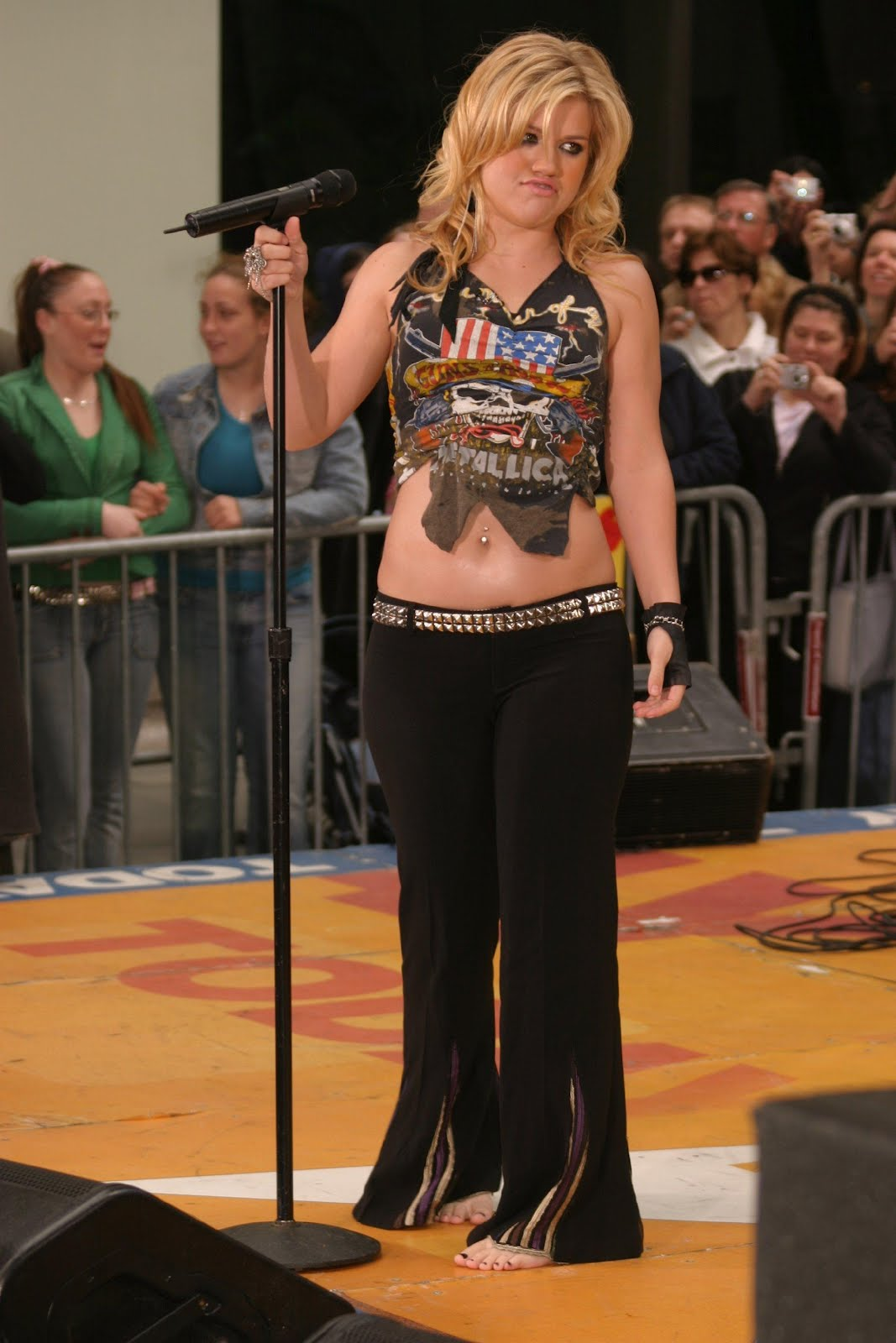 Live on Stage: Kelly Clarkson - NBC\u0026#39;s Today Show (2005-05-23)