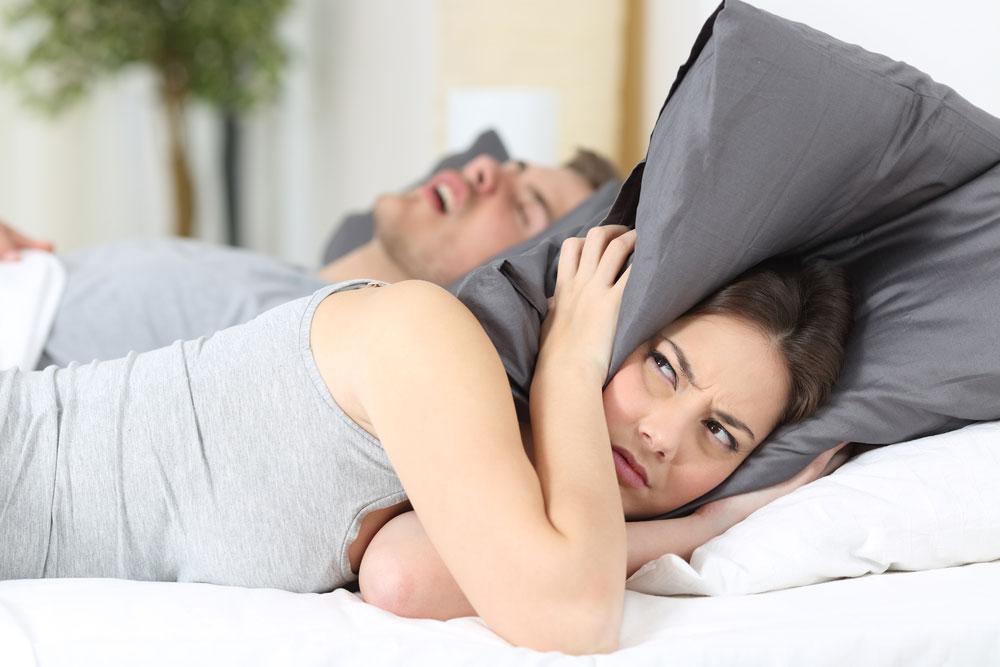 Ngorok Saat Tidur? Lakukan 9 Cara Ini Untuk Mengatasinya!