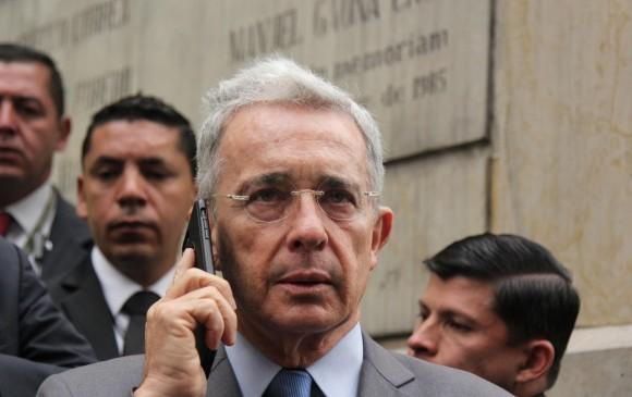 En Feria de Cali, cantaron contra Uribe
