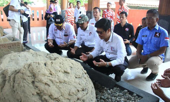 Bentuk Penghargaan ke Pahlawan, IYL-Cakka Ziarah ke Makam Lamadukelleng