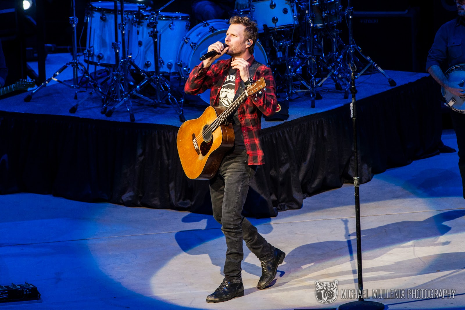 ryman to nashville dierks pittsburgh music auditorium play in story bentley entertainment
