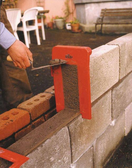 Good idea, Bricky Tool for Wall Construction