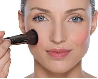 Cara Mudah Merias Wajah Dengan Blush On
