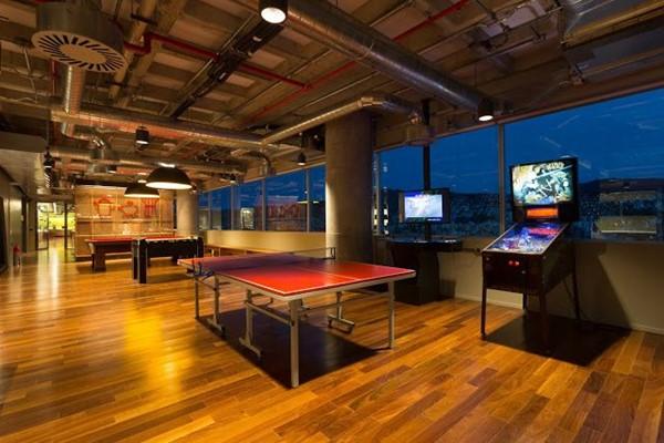Sala de recreação do novo escritório do Google no Brasil