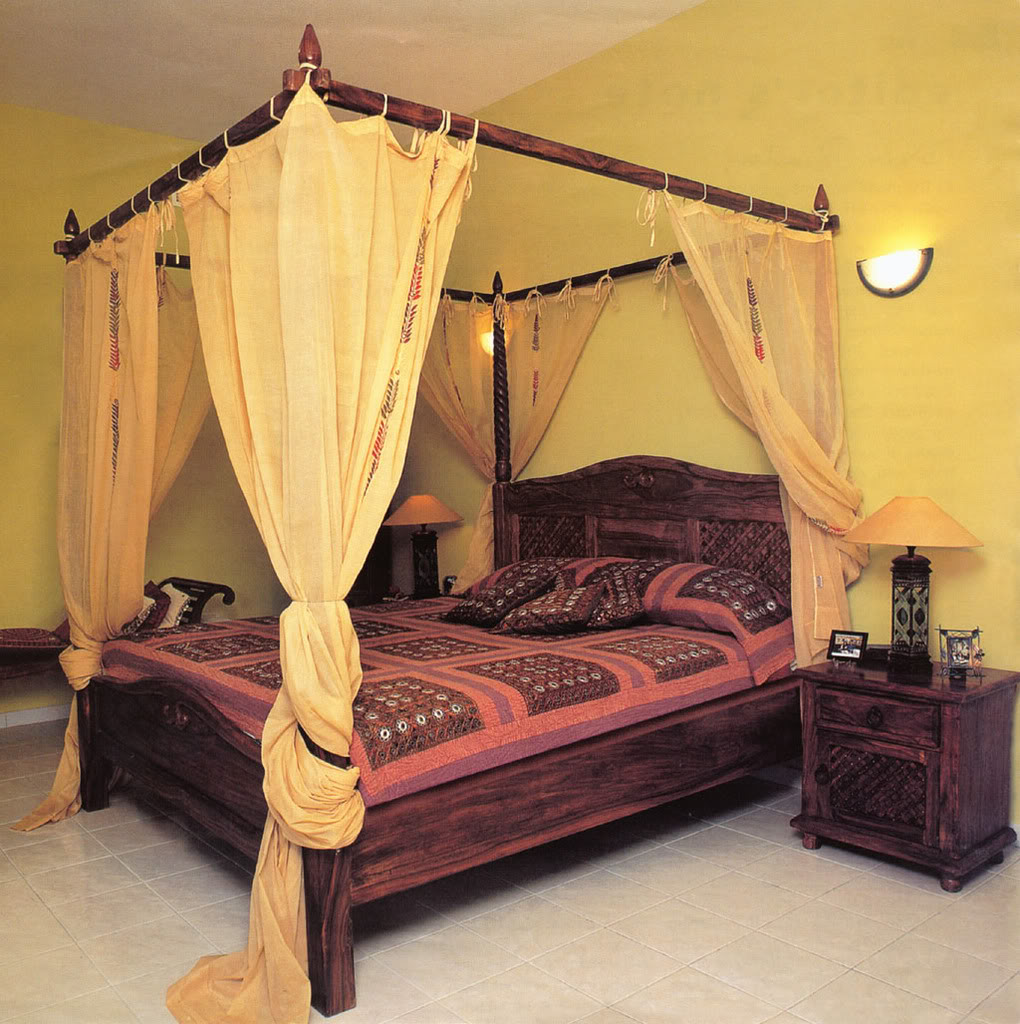 Canopy Bedroom Curtains: Antique Furniture And Canopy Bed: Canopy Bed Netting