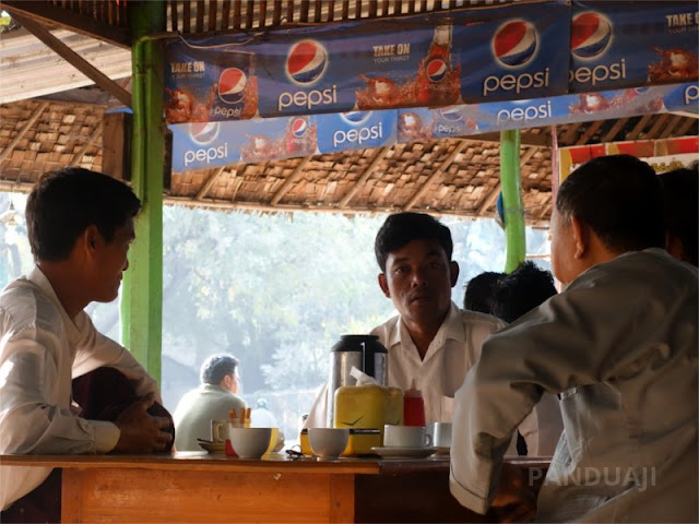 Talking with Friennd in Tea Center Bagan