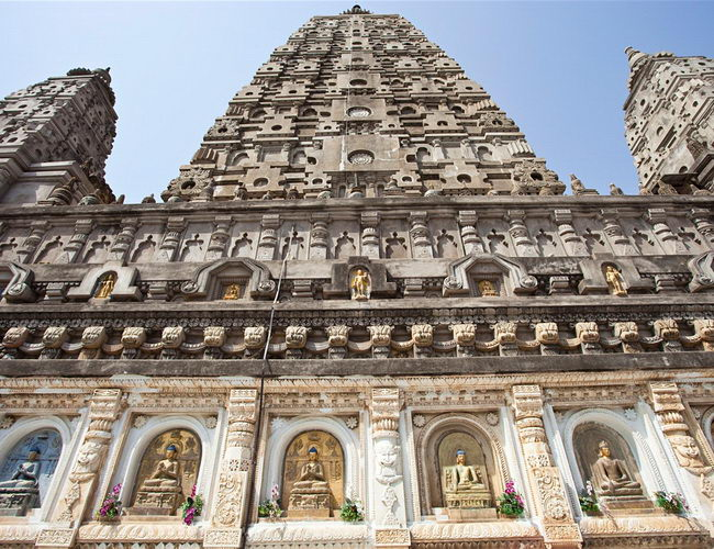 Xvlor Mahabodhi Temple is the Buddha attained enlightenment in Bodh Gaya
