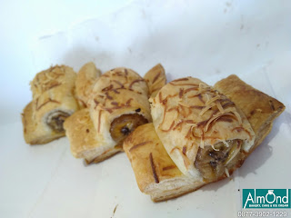 pastry pisang keju coklat, pastry pisang keju, pastry pisang keju enak, pastry isi pisang keju