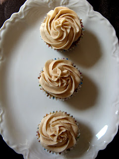 new oct+046a Spice Cupcakes with Cinnamon Buttercream