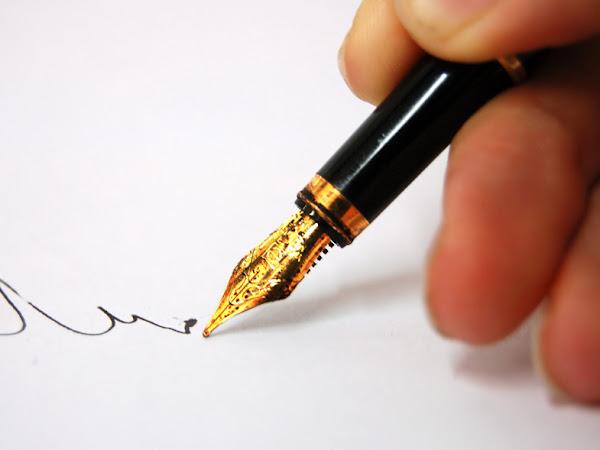 Menciptakan ide dalam menulis.