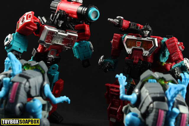 titans return perceptor vs generations perceptor vs sharkticons