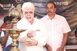 9 Giragankalum Ucham Petravan Tamil Movie Pooja Stills  0040.jpg