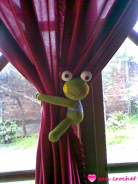 Monkey Curtain Tie Backs - Free Downloads - Homemaker Magazine | 640x480