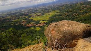 Gunung Batu Lawang