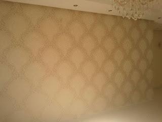 فني ورق حائط بالرياض