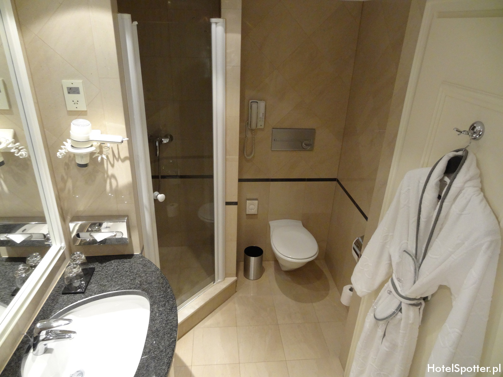Sofitel Budapest Chain Bridge bathroom
