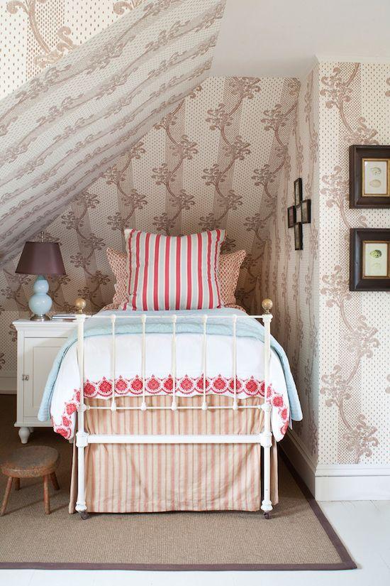 eye for design cozy attic bedrooms On quaint bedroom ideas