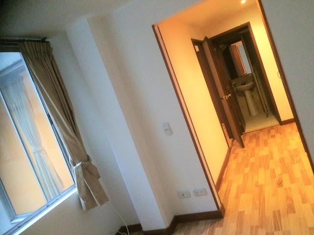 コロンビアのアパートの廊下