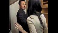 โจรเซลแมนหื่น!! แอบย่องขืนใจเมียลูกค้ากลางดึก มัดมือเอาจนเสร็จสม