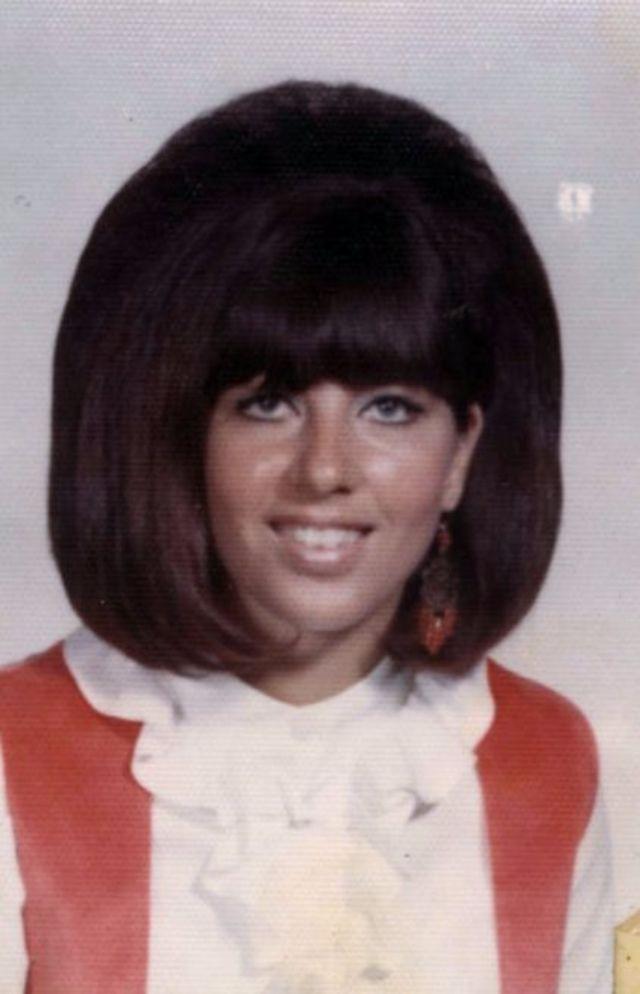 Vintage American Teen Girls\' Hairstyles: Portraits of Female ...