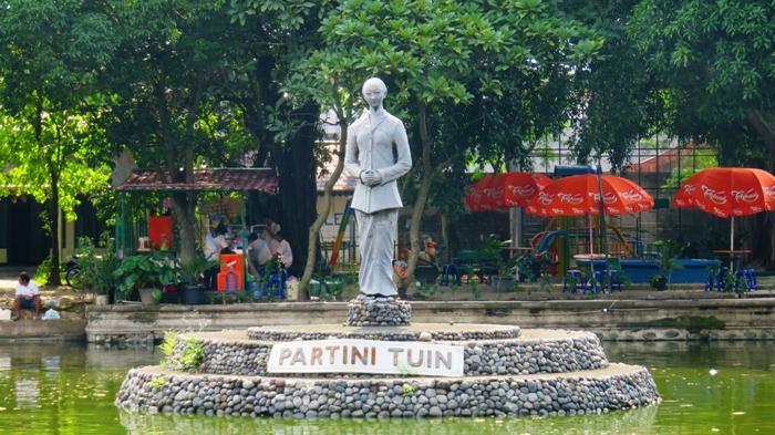 Patung Partini