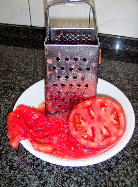 Grated fresh tomatoes